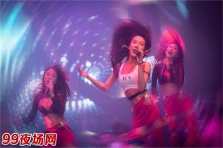 上海大型夜场招聘模特每天保底2个班高薪日结不拖欠图片展示
