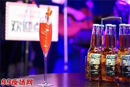 武汉最高档的夜总会招聘-日结小费1500/2000不等图片展示
