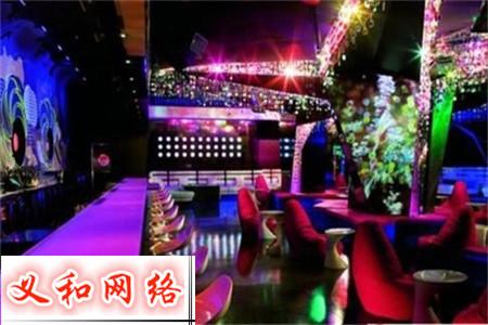 蔡甸KTV招聘,来武汉白金汉宫上班,一天的工资比别人一个月还